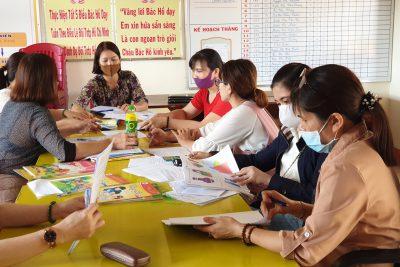 Hội Đồng lựa chọn sách giáo khoa Trường Tiểu học Cao Thắng đã tiến hành lựa chọn bộ sách giáo khoa phù hợp